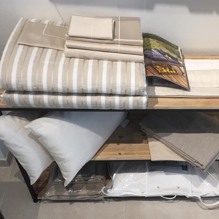 Tempur Specialist Store Torino // Collezione Tessile Molteni